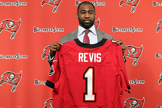 Breaking down the Darrelle Revis, Kam Chancellor contracts