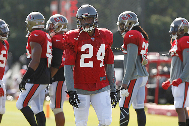 Buccaneers CB Darrelle Revis could make preseason debut on Aug.…