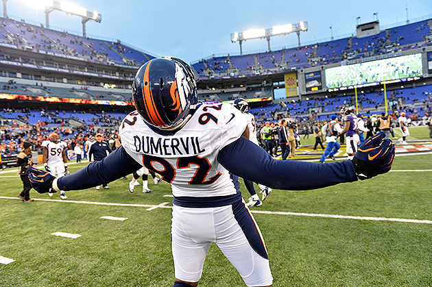 Baltimore Ravens agree to terms with Elvis Dumervil