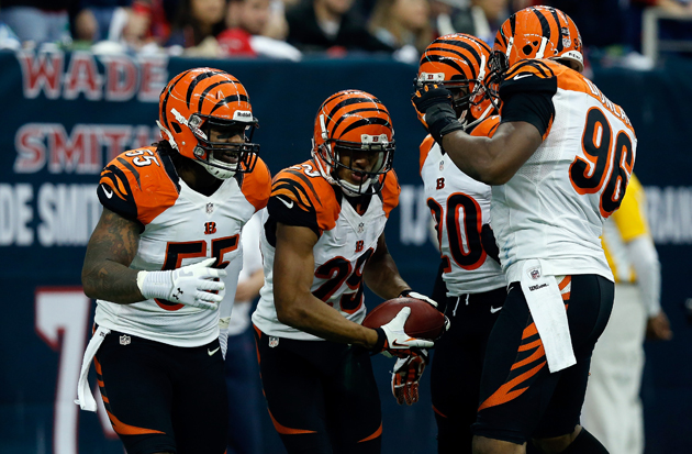 Leon Hall scores first touchdown of the playoffs on pick-six of…