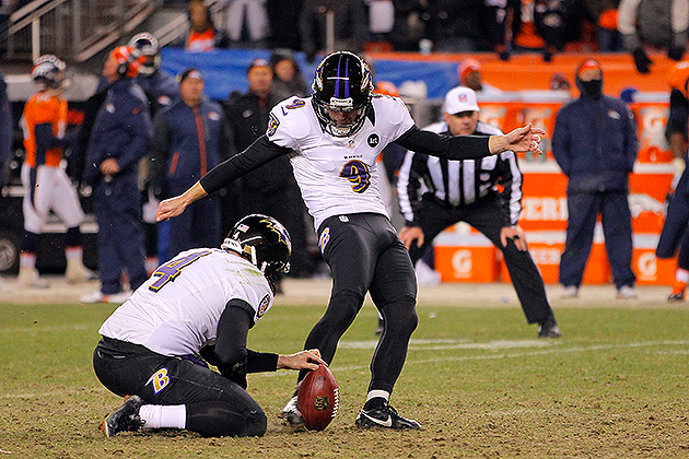 Baltimore Ravens quite skilled at tackling teammates (VIDEO)
