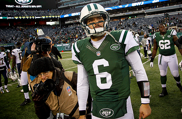 Jets bypass Tim Tebow (again), will start Mark Sanchez in seaso…