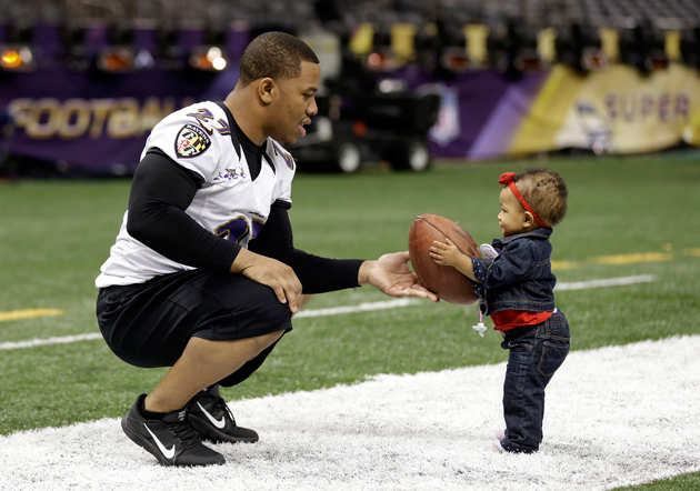 Ravens, 49ers turn their final Super Bowl practices into family…