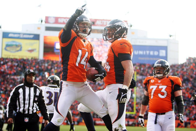Peyton Manning throws perfect pass to Brandon Stokely to bring …