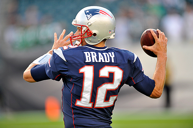 Patriots QB Tom Brady leaves practice to have left knee checked…