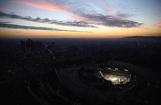 Here's a truly beautiful photo of Dodger Stadium's outdoor NHL …
