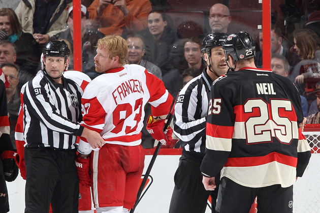 Chris Neil wants Johan Franzen to 'drop his purse' after commen…