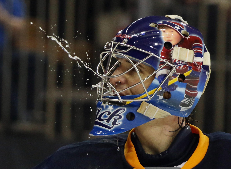 NHL Three Stars: Avs leapfrog Blues; Coyotes post-season hopes …