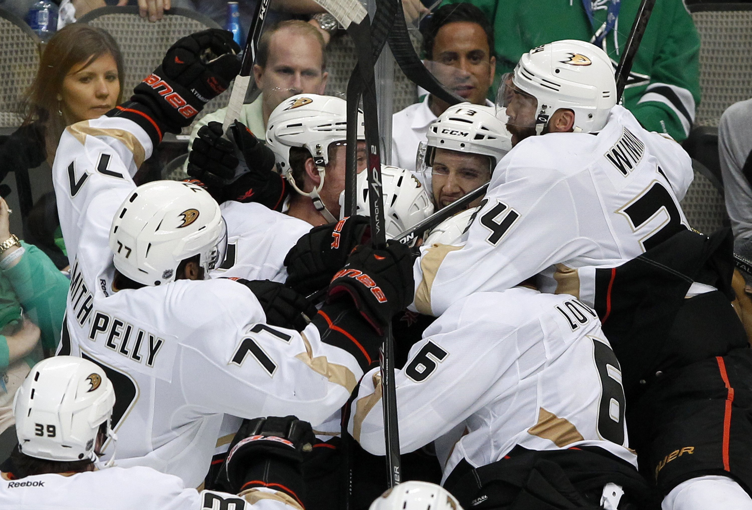 Ducks eliminate Stars in comeback, overtime victory