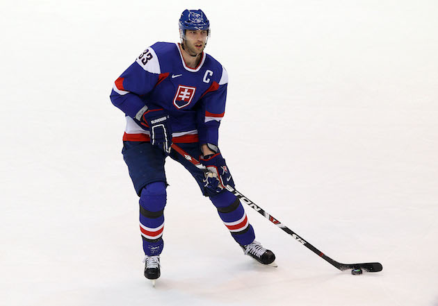 Bruins' Chara to carry Slovakian flag in Sochi