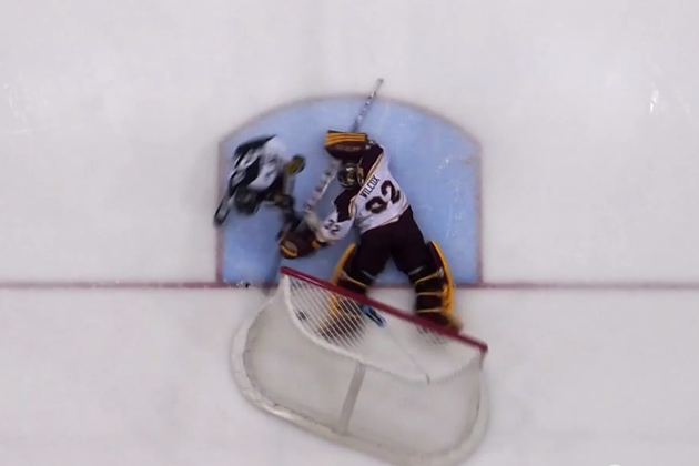 Controversy in college shootout after Minnesota goaltender kick…