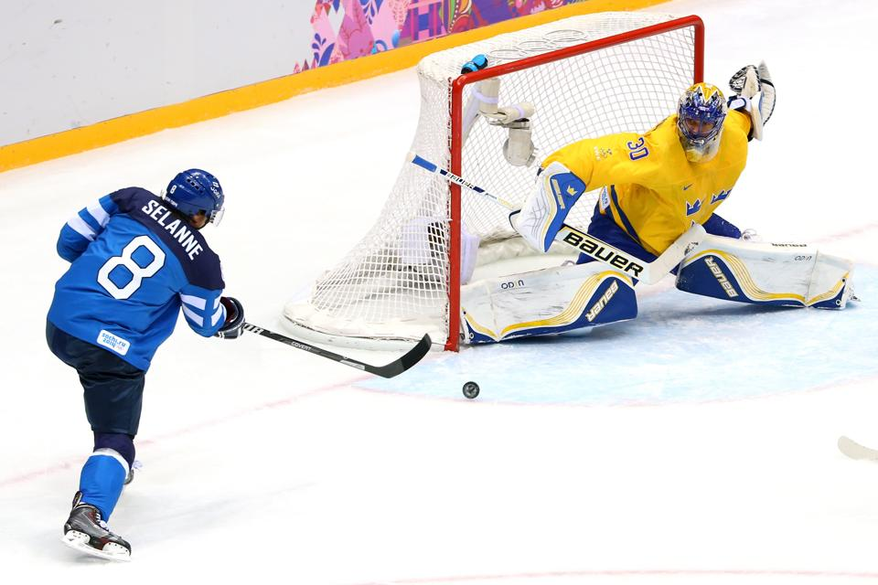 Sweden, Henrik Lundqvist advance to gold medal game over Finlan…
