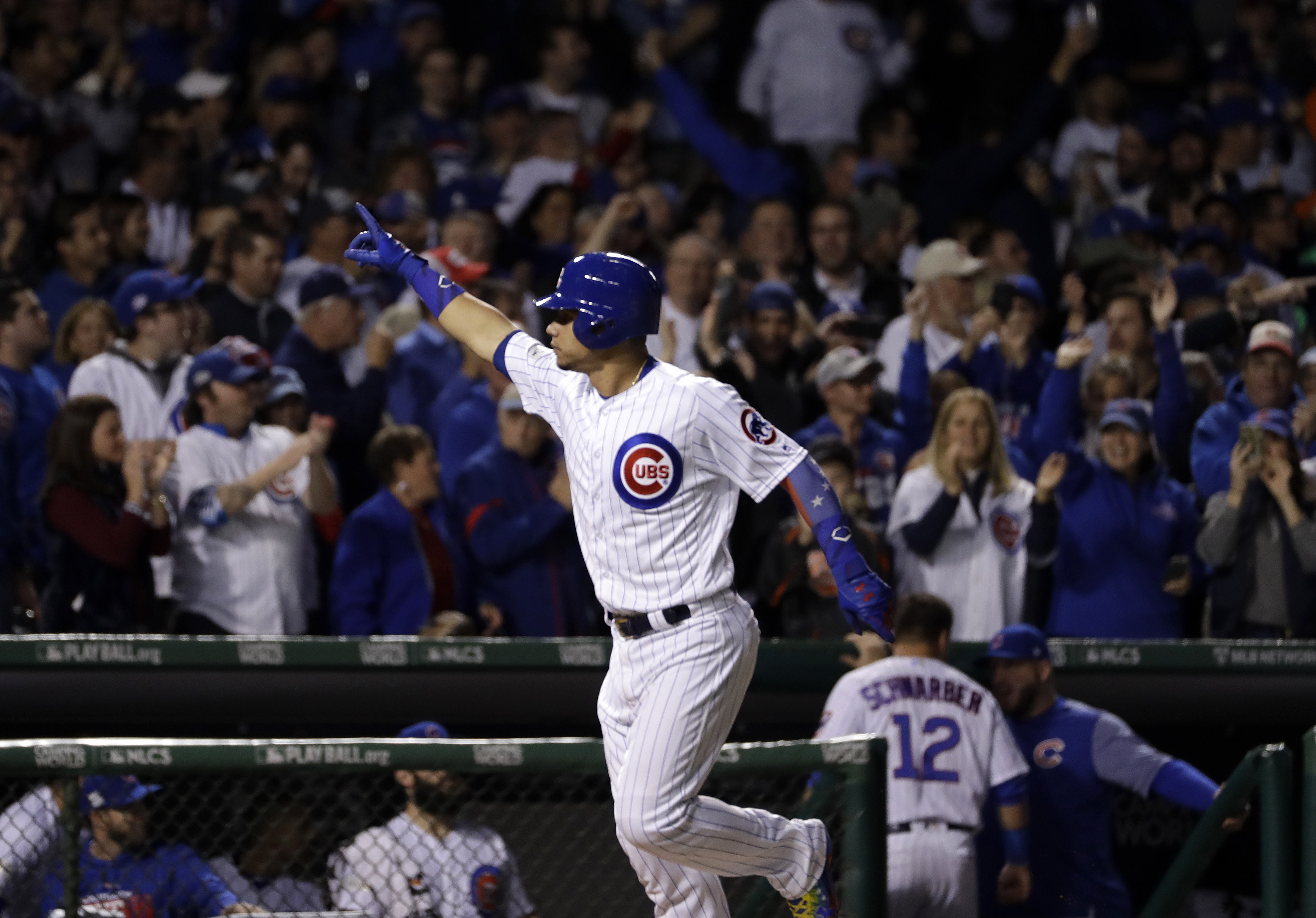 NLCS Game 4: Willson Contreras crushes 491-foot home run off Wrigley video board