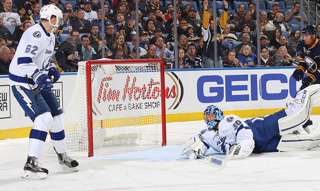 Ben Bishop's 'oh s---' moment turned spectacular save (Video)
