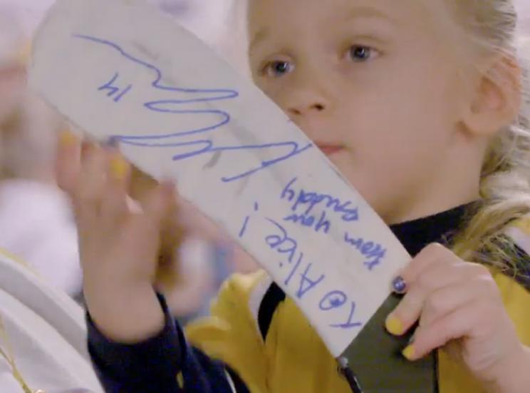 Predators player has adorable pregame ritual with 4-year-old fa…