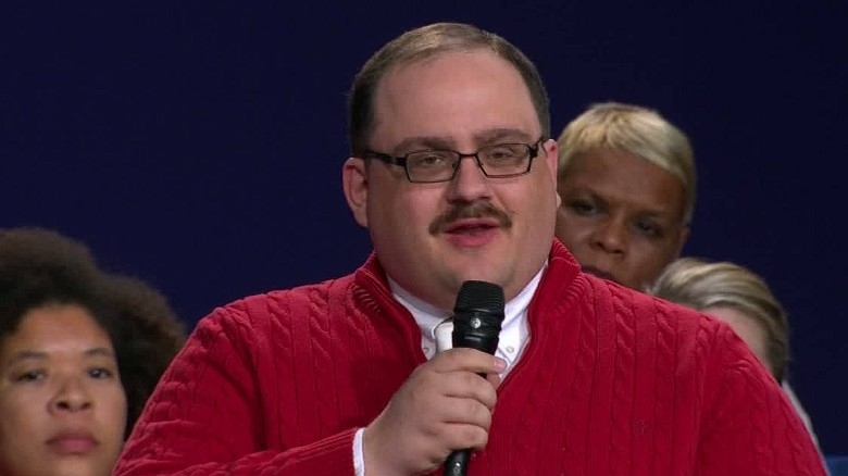 Auston Matthews enters Ken Bone Zone for Halloween (Photo)