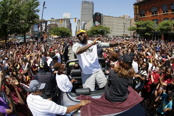 LeBron James will not use his phone if he has to pay for data