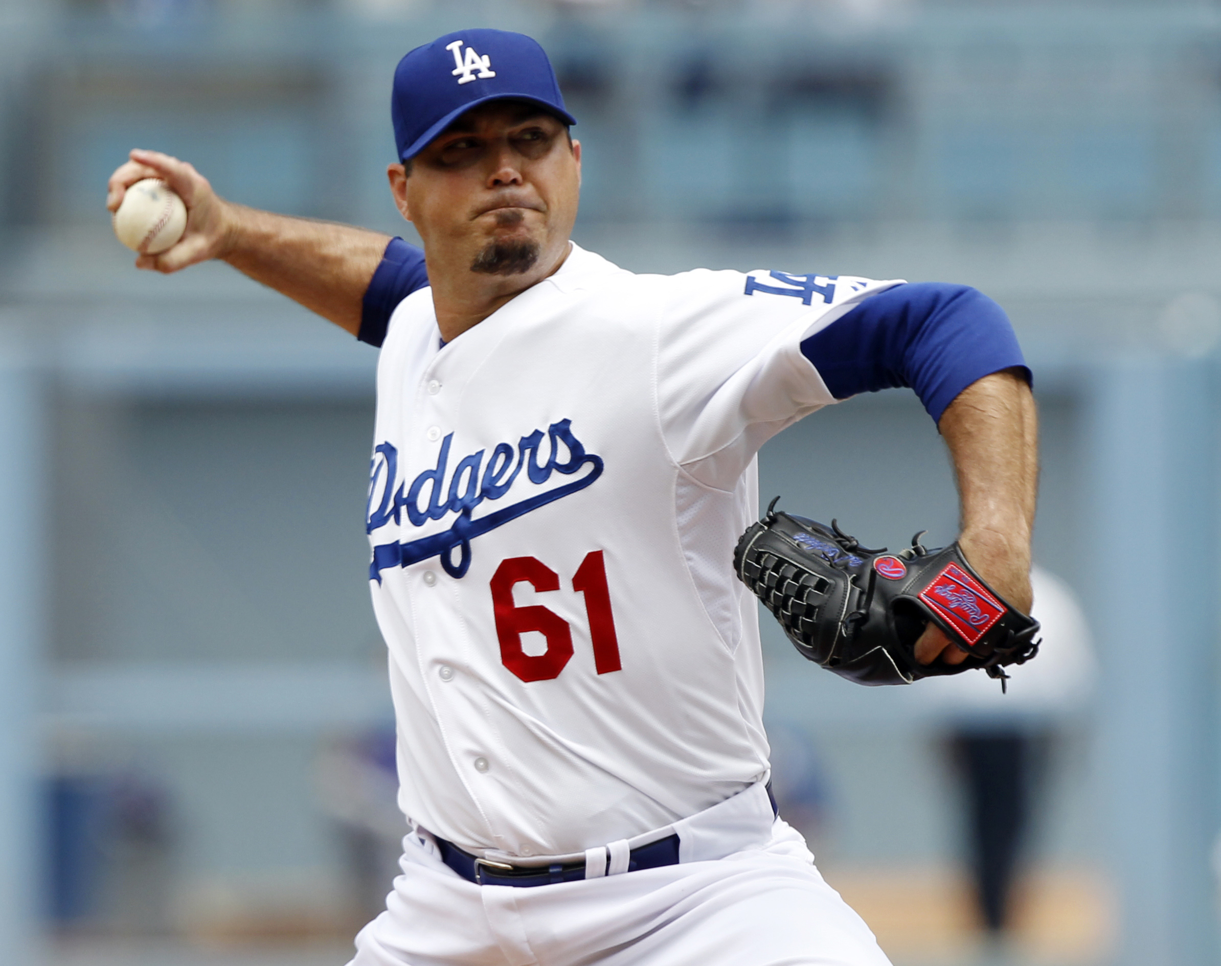 Former MLB pitcher Josh Beckett was arrested early Saturday after tackling a country music singer at an open mic night in Texas. (AP)