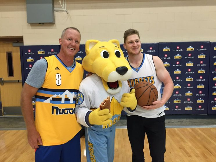 Nathan MacKinnon swishes blind half-court shot in Nuggets swag …