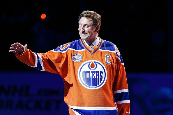 Wayne Gretzky joins Edmonton Oilers in management role