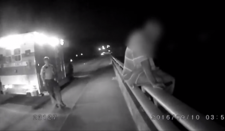 Suicidal man talked off bridge via hatred of Cowboys