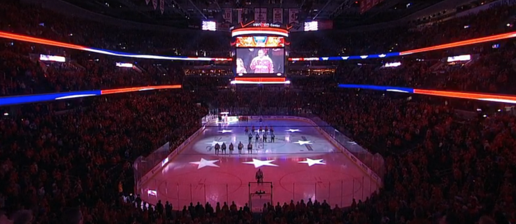 Fans take over for Capitals anthem singer after mic fail (Video…