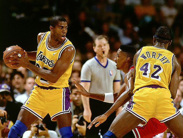 25 years after announcing he had HIV, Magic Johnson is still ce…
