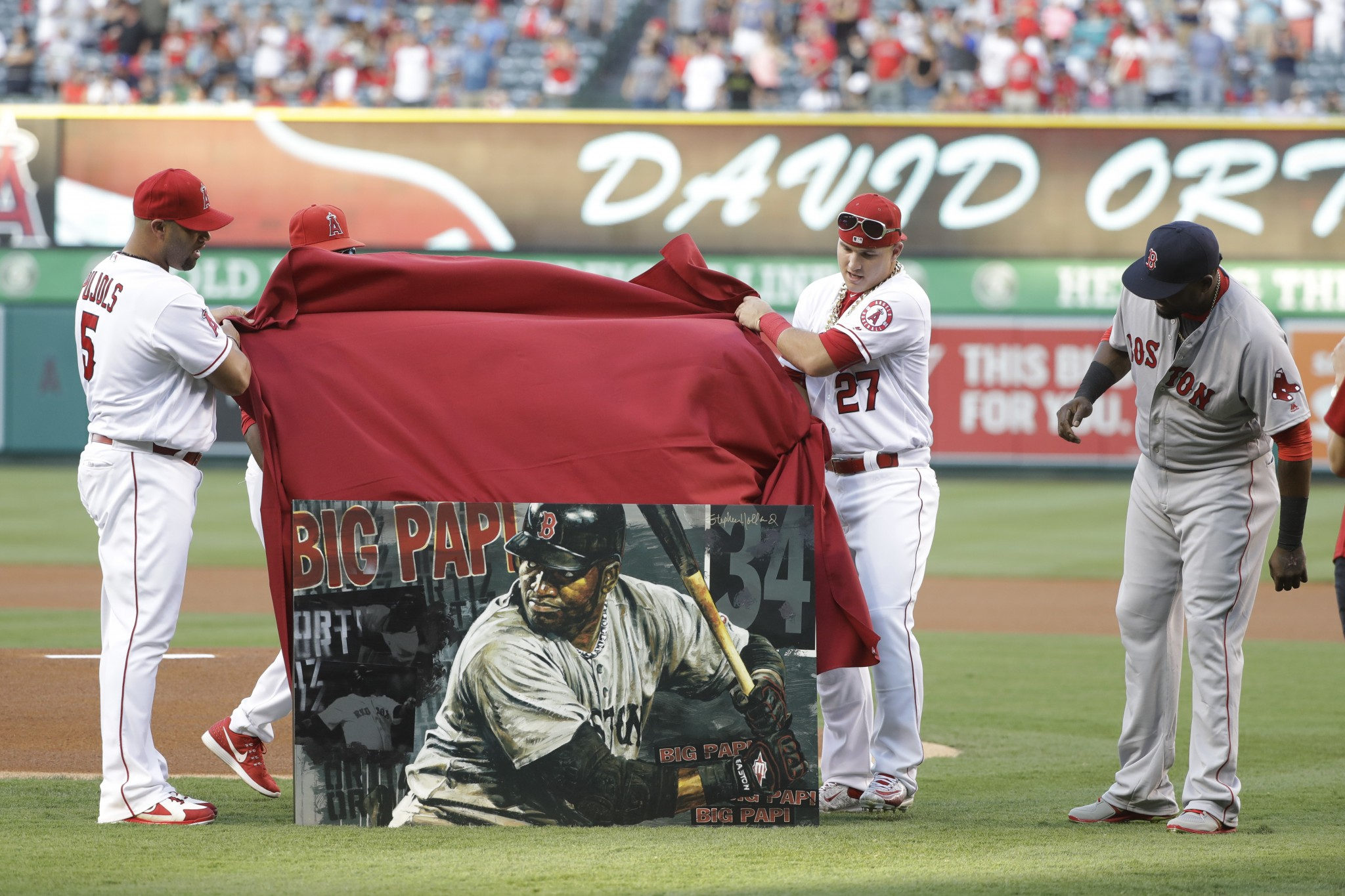 The Angels gave David Ortiz this portrait as a farewell gift. (AP)