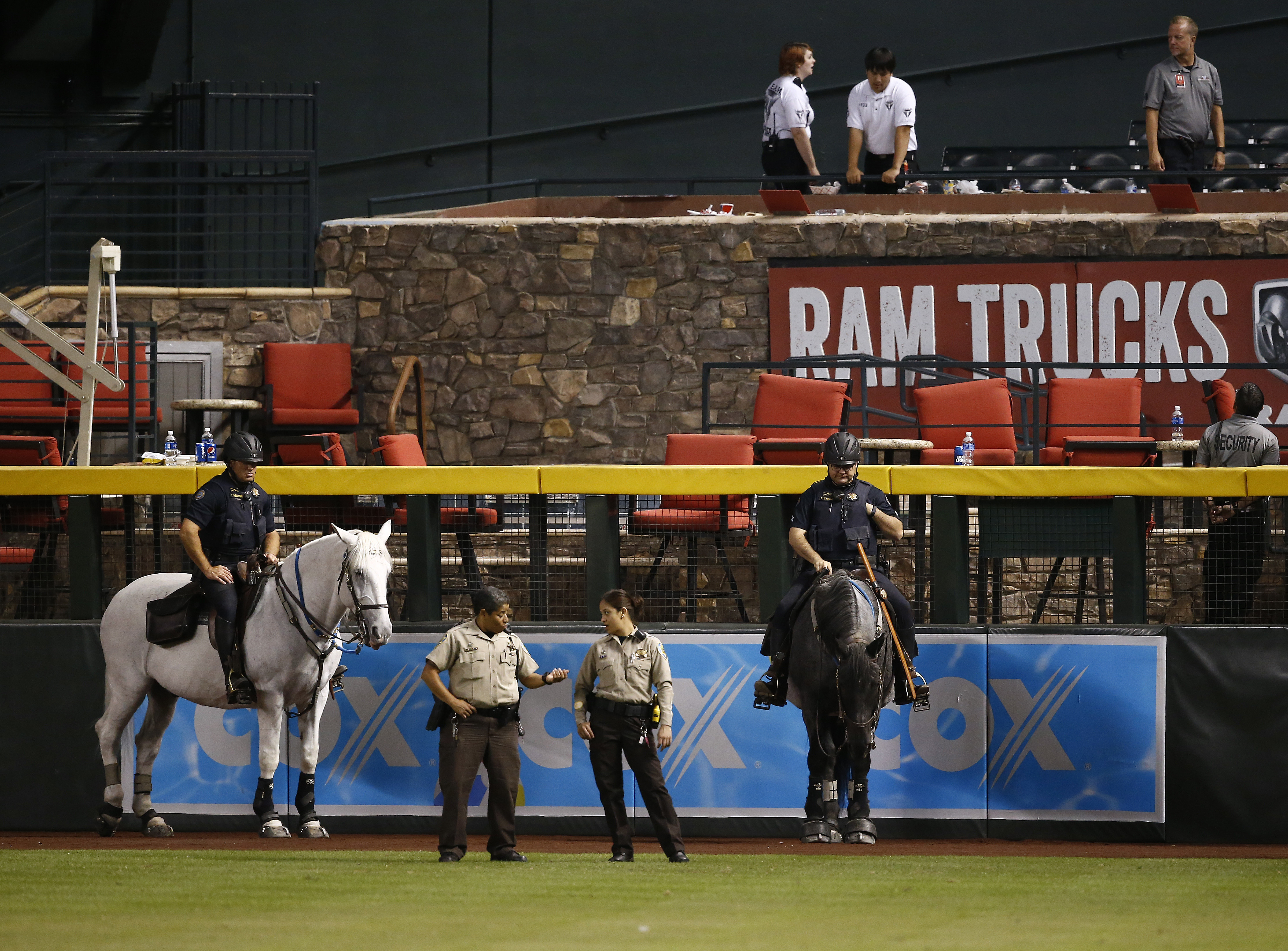 Diamondbacks had police on horseback guard pool after Dodgers sweep