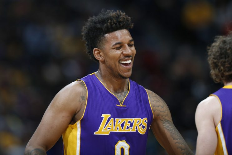 Lakers' Nick Young to miss 2-4 weeks with calf injury