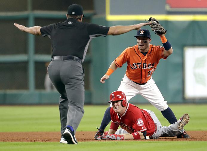 Angels Score 9 Runs in Last 2 Frames to Beat Astros 10-4
