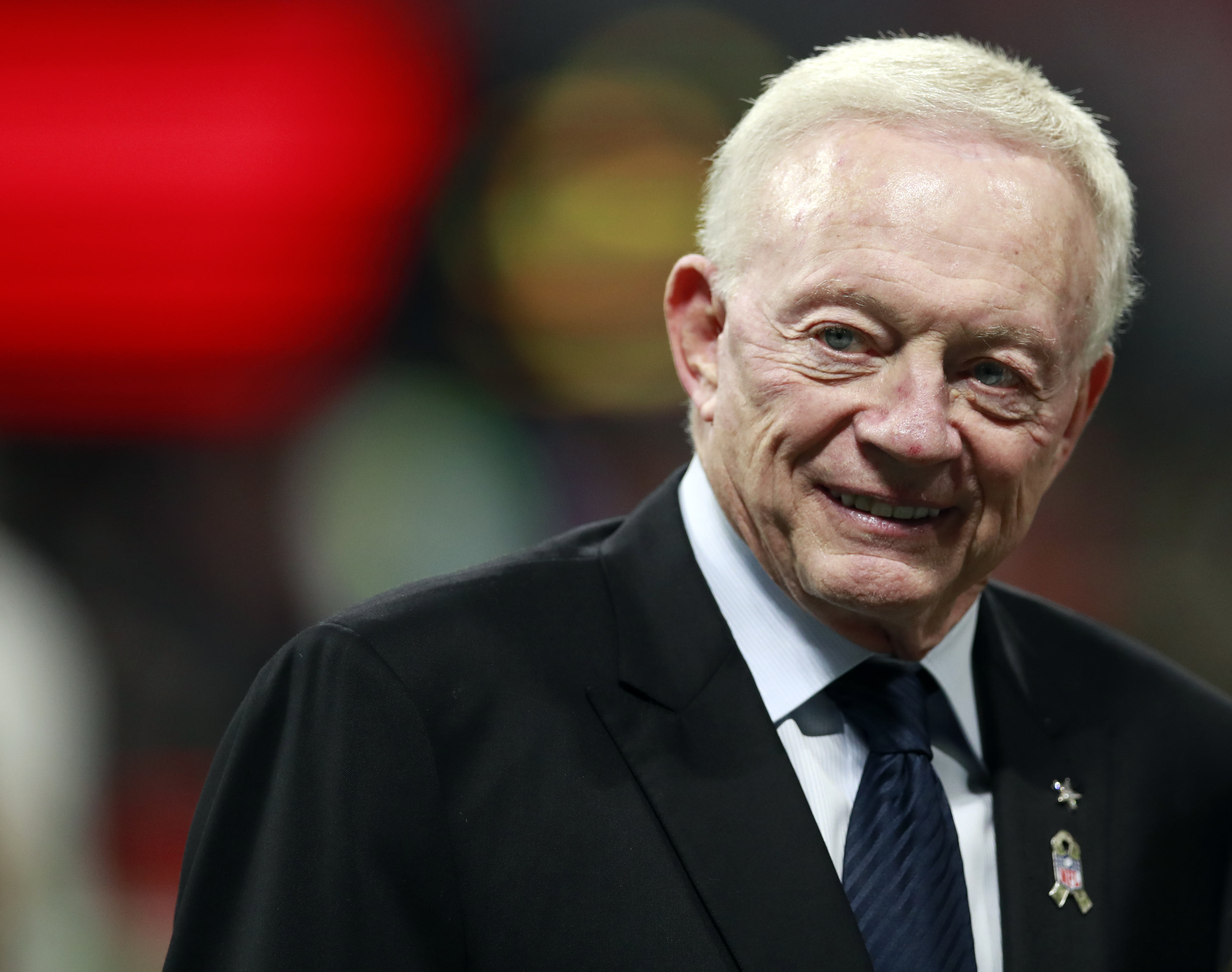 Cowboys' Jerry Jones apologizes after racially insensitive video surfaces