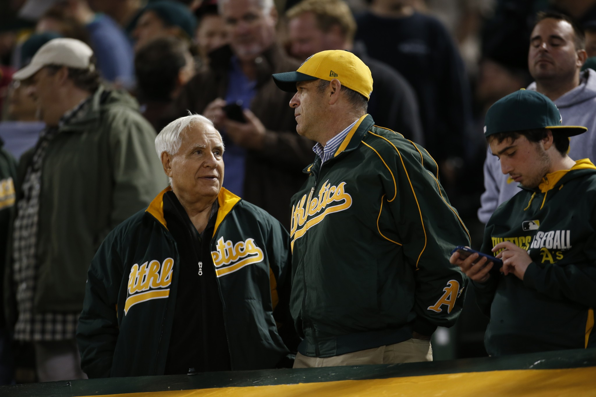 A's reaffirm desire to stay in Oakland amid ownership shake-up