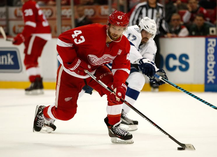 Darren Helm out minimum of six weeks with shoulder injury