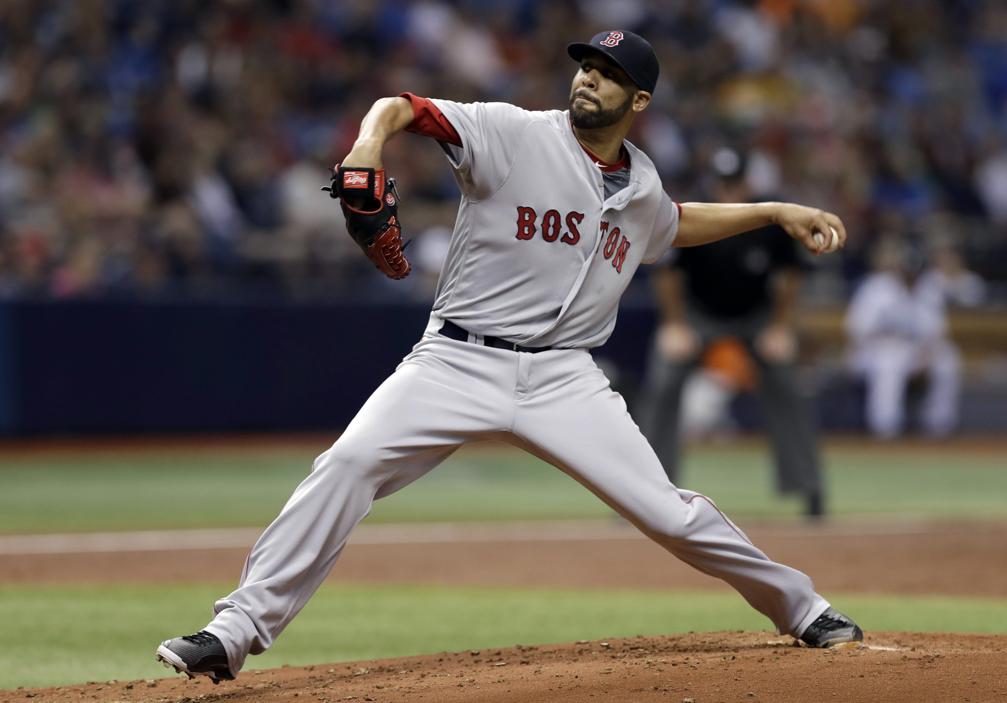 David Price pitches the Red Sox back into first place