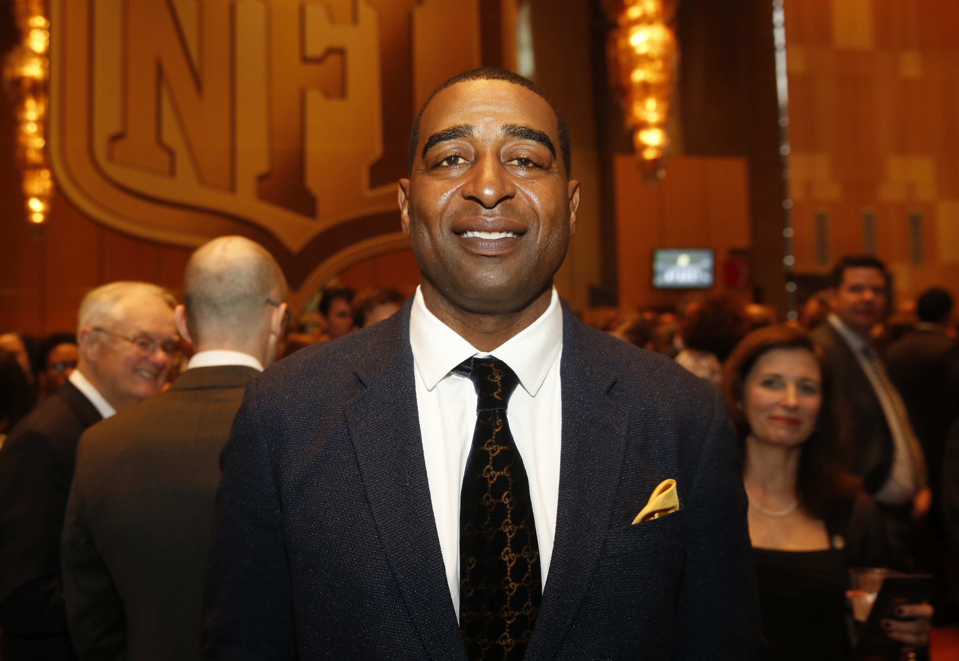 Watch: Emotional Cris Carter on effects of brain injuries: 'I wonder - what's going to happen?'