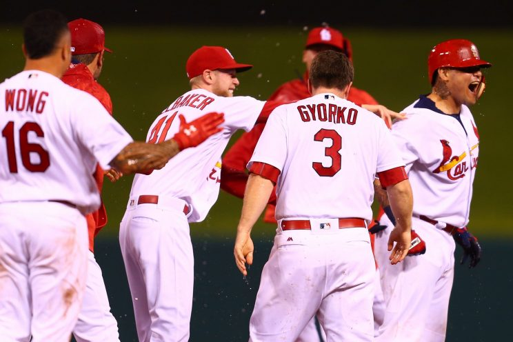 Cardinals win on controversial walk-off double from Yadier Moli…