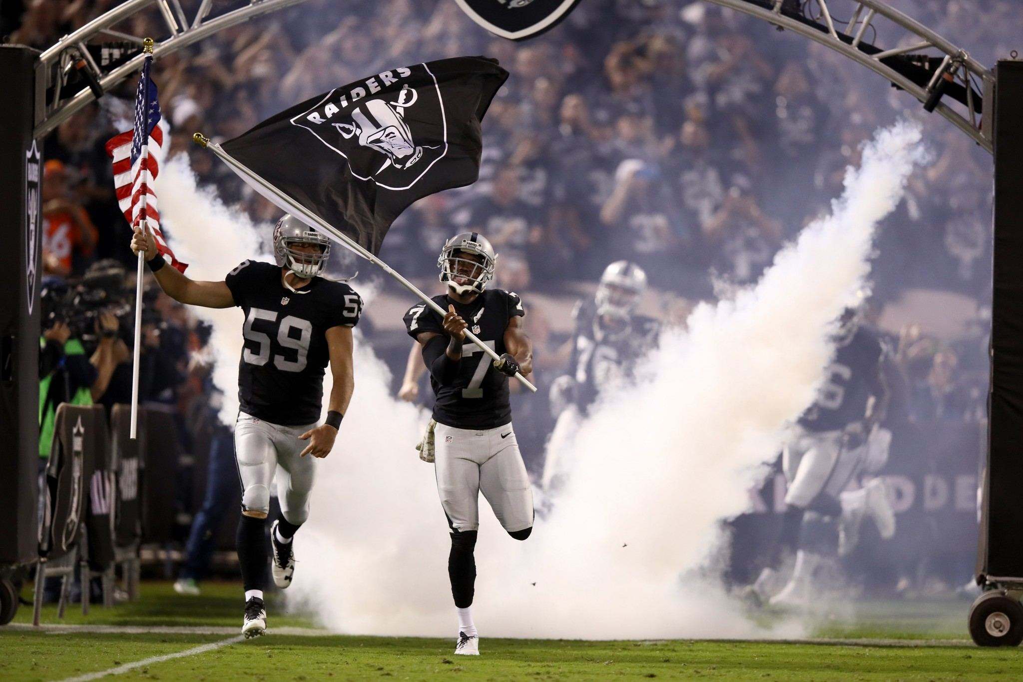Watch Raiders punter pick up penalty flag, do dance with it, ge…