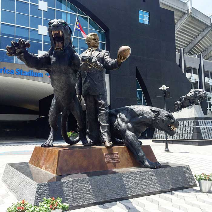 Panthers unveil statue of owner Jerry Richardson at Bank of Ame…