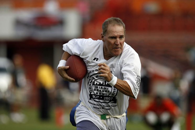 Dolphins replace team legend Jim Kiick's lost Super Bowl ring