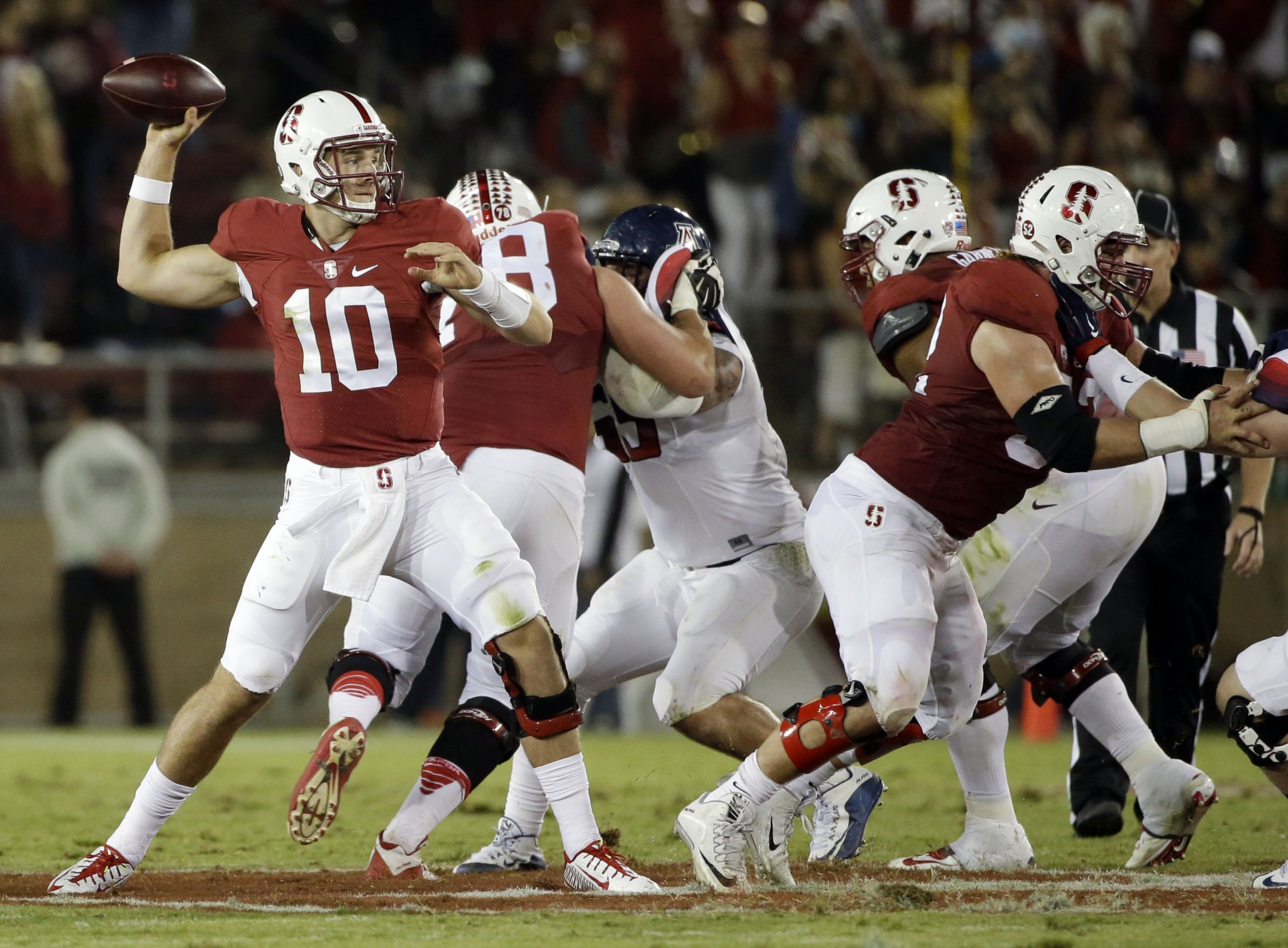 Stanford quarterback Keller Chryst (10) saw brief action behind Kevin Hogan in 2015. (AP Photo/Marcio Jose Sanchez)