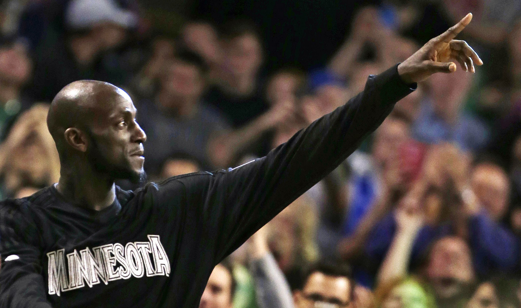 After a remarkable 21-year career, Kevin Garnett is set to walk…