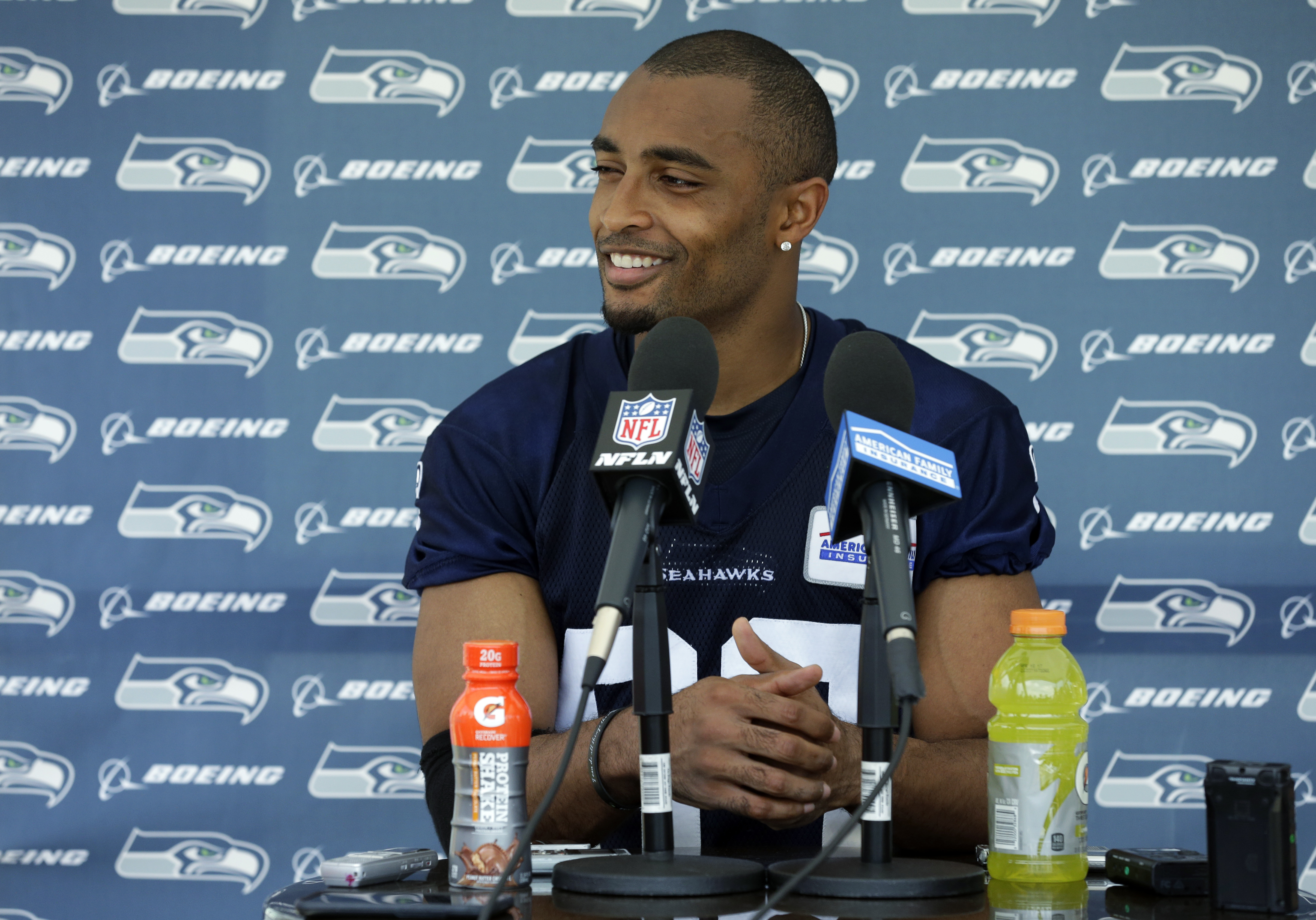Seahawks Doug Baldwin wonders why sitting for anthem is bad when fans curse, yell and wear hats