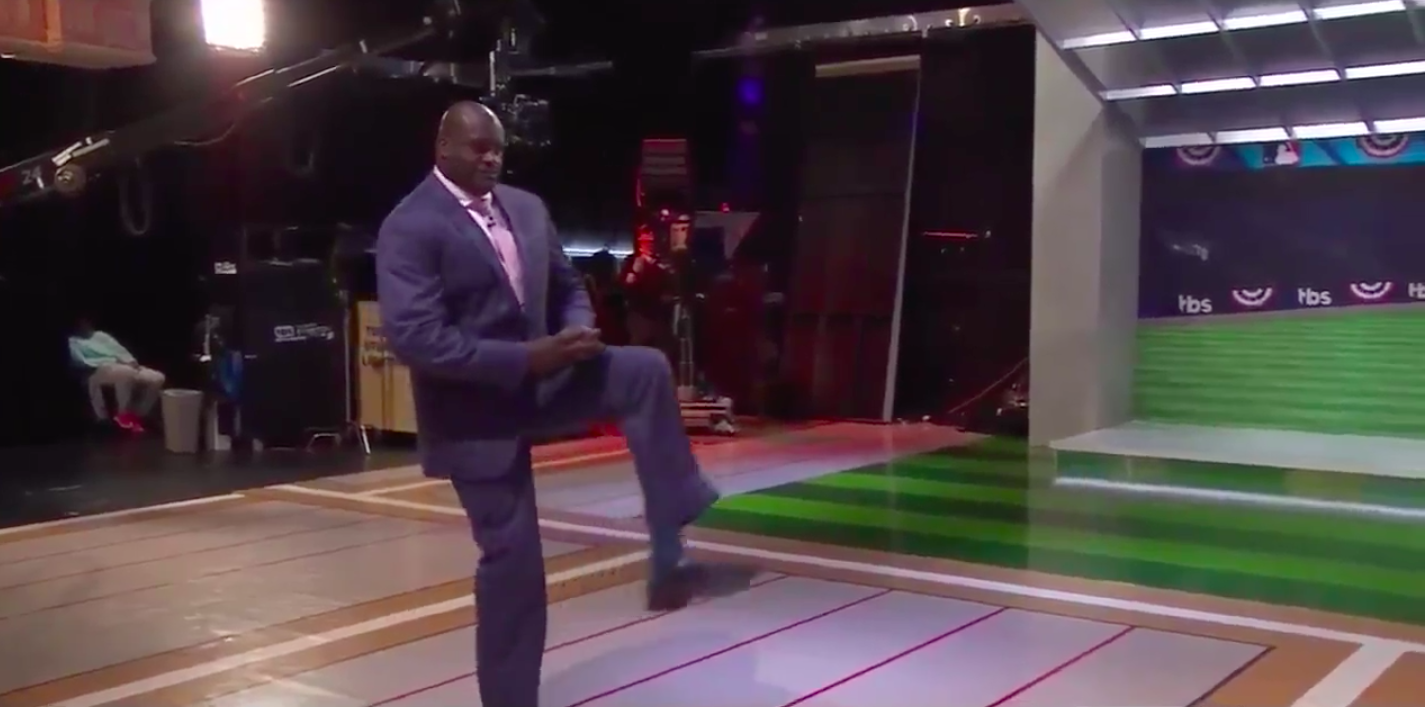 Shaq shows why he played basketball with awful pitch on TBS postgame