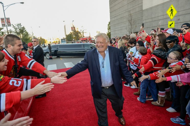 Winnipeg Jets defend controversial Bobby Hull honor