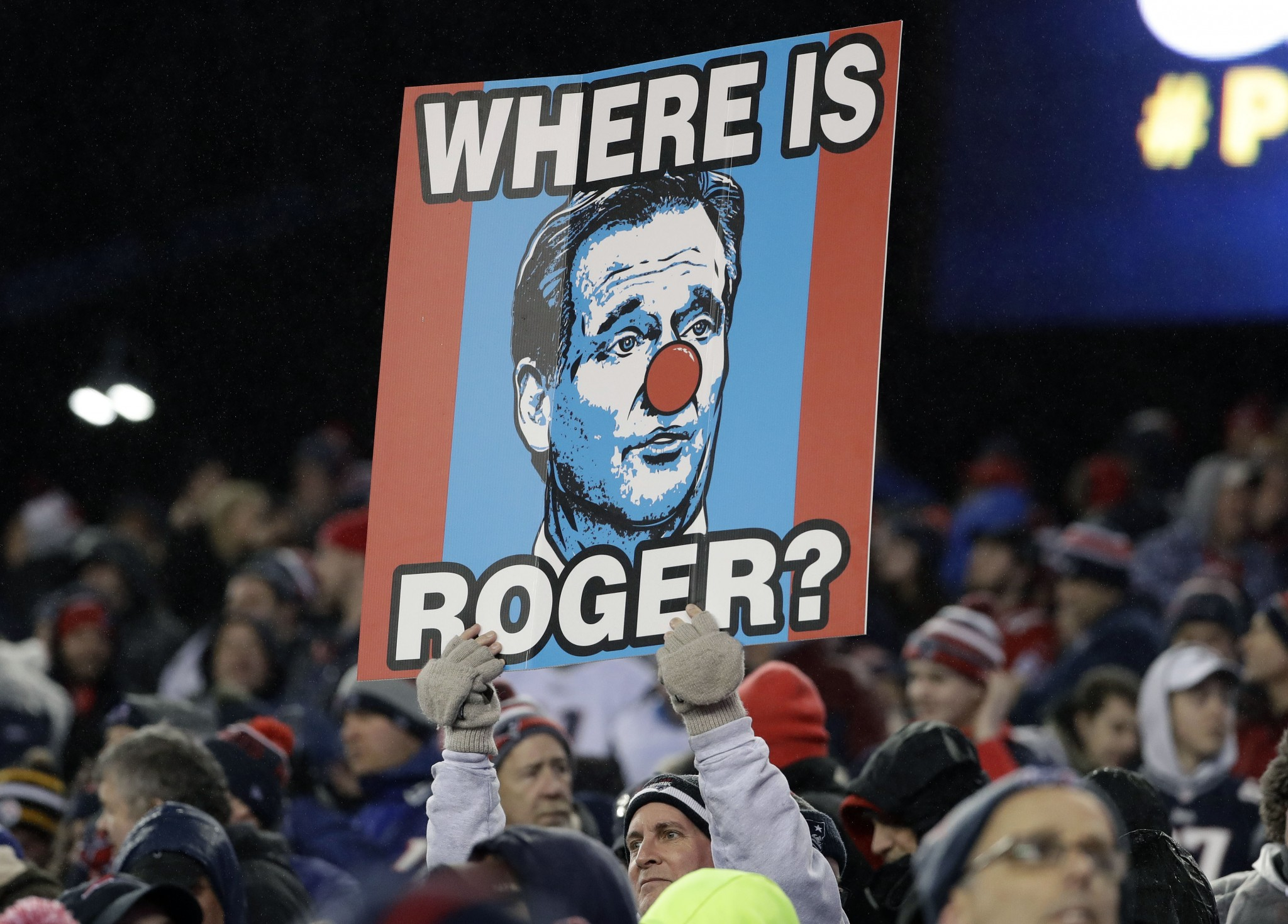 Gronk on Roger Goodell visiting Patriots: 'I don't even think he can even land in the airport'