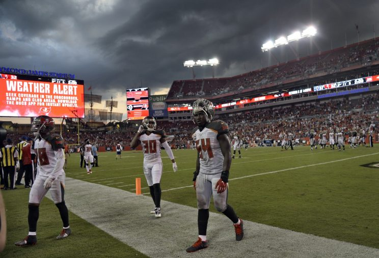 Bucs Fall to Rams 37-32 Despite 405 Yards from Winston