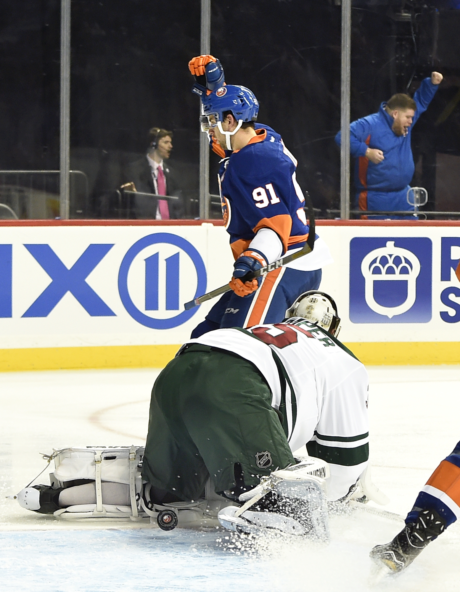 NHL Three Stars: Canucks lose in regulation; Oilers blank Jets …