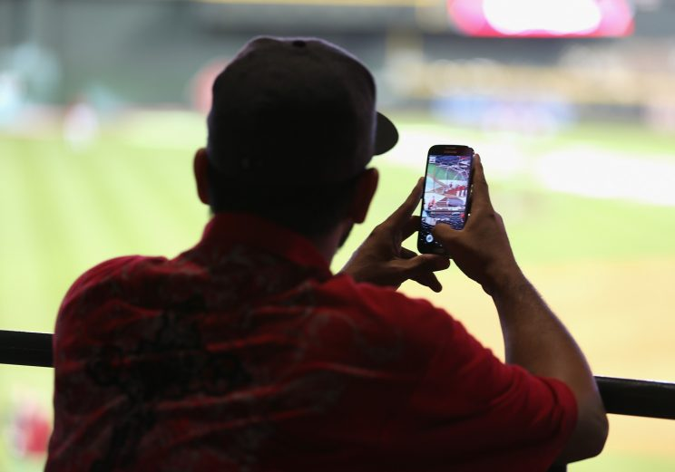 The Diamondbacks will give you a gift for your bad tweets