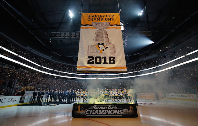 Penguins end Stanley Cup celebrations with banner raising (Vide…